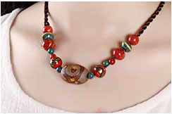 Collier, Agate