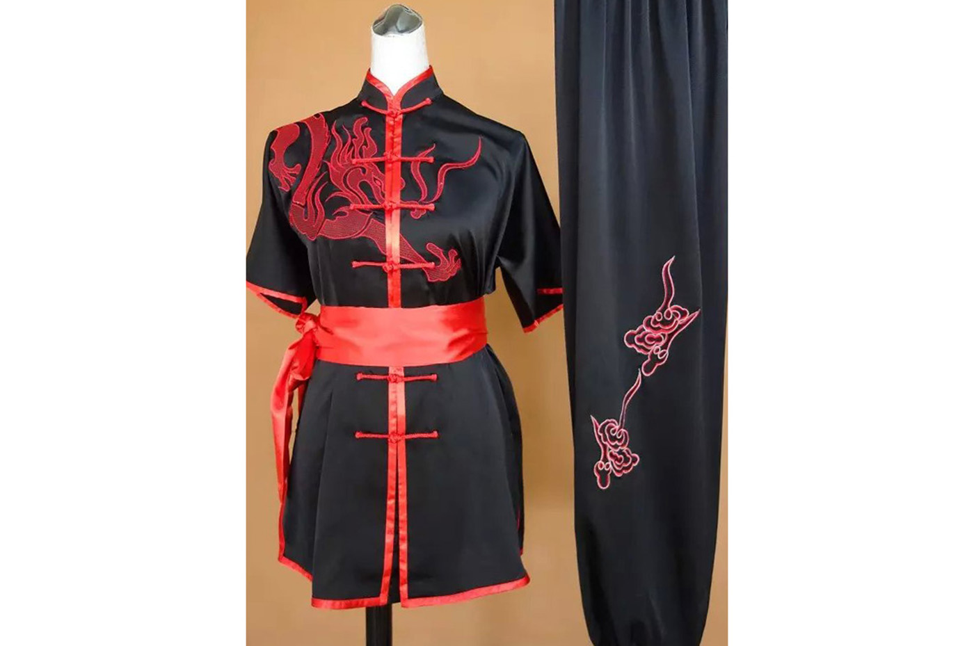 Tenue Chang Quan Brodée Dragon 1