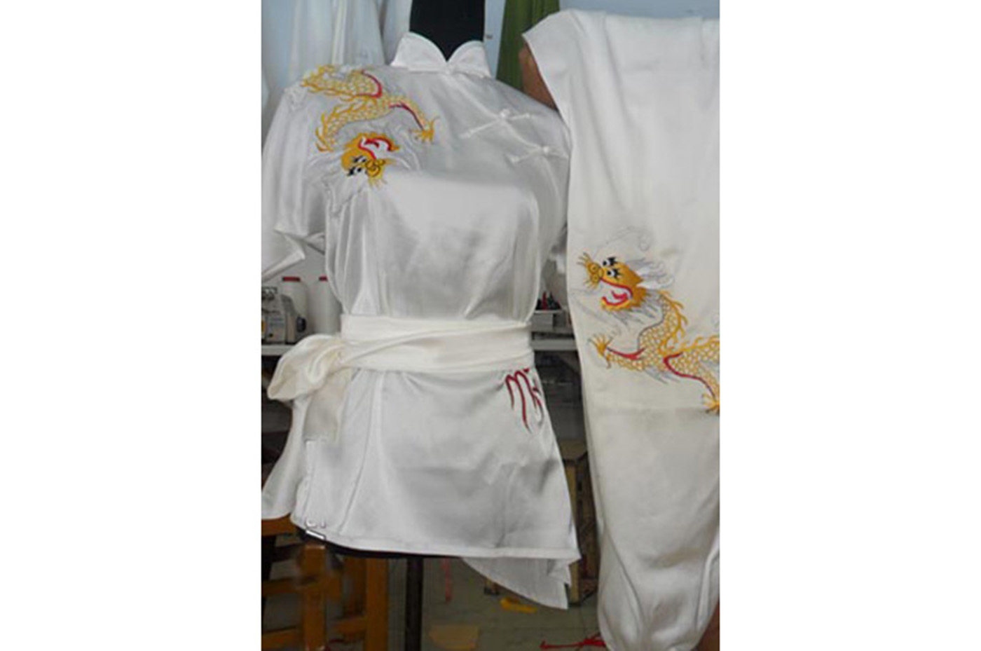 Tenue Brodée, Chang Quan Dragon 4