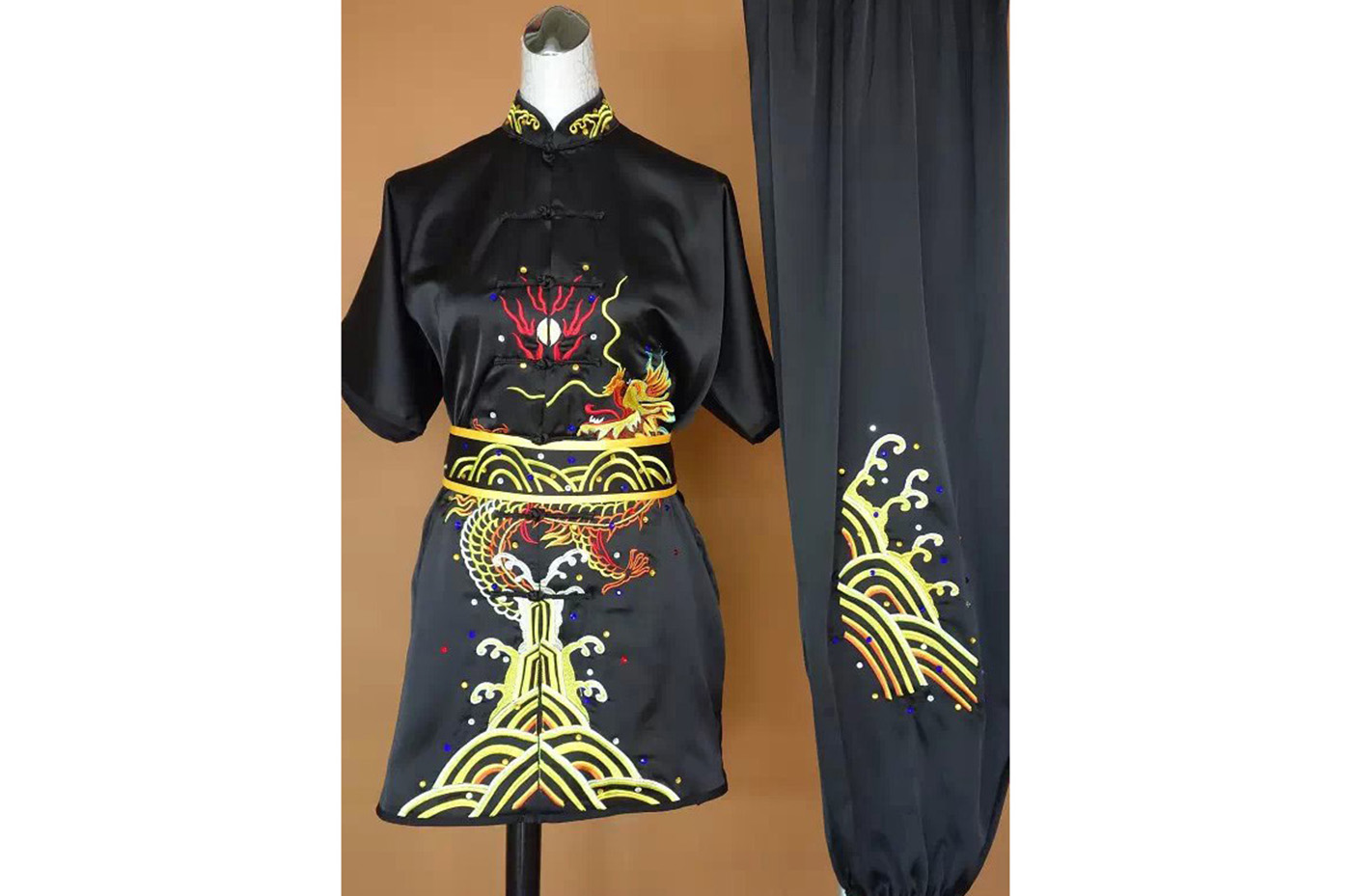 Tenue Brodée, Chang Quan Dragon 8